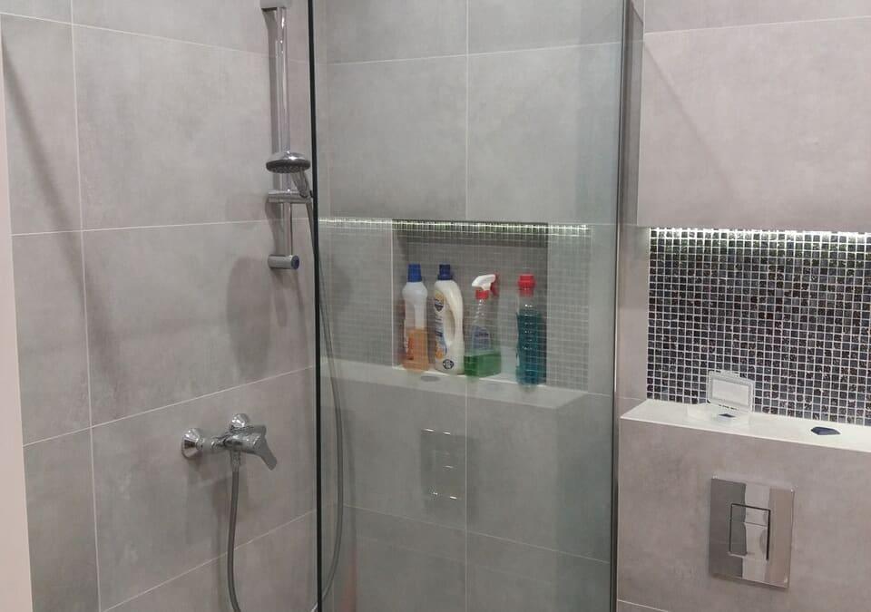 Szklana kabina prysznicowa narożna