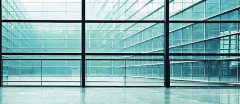 Okna w budynku