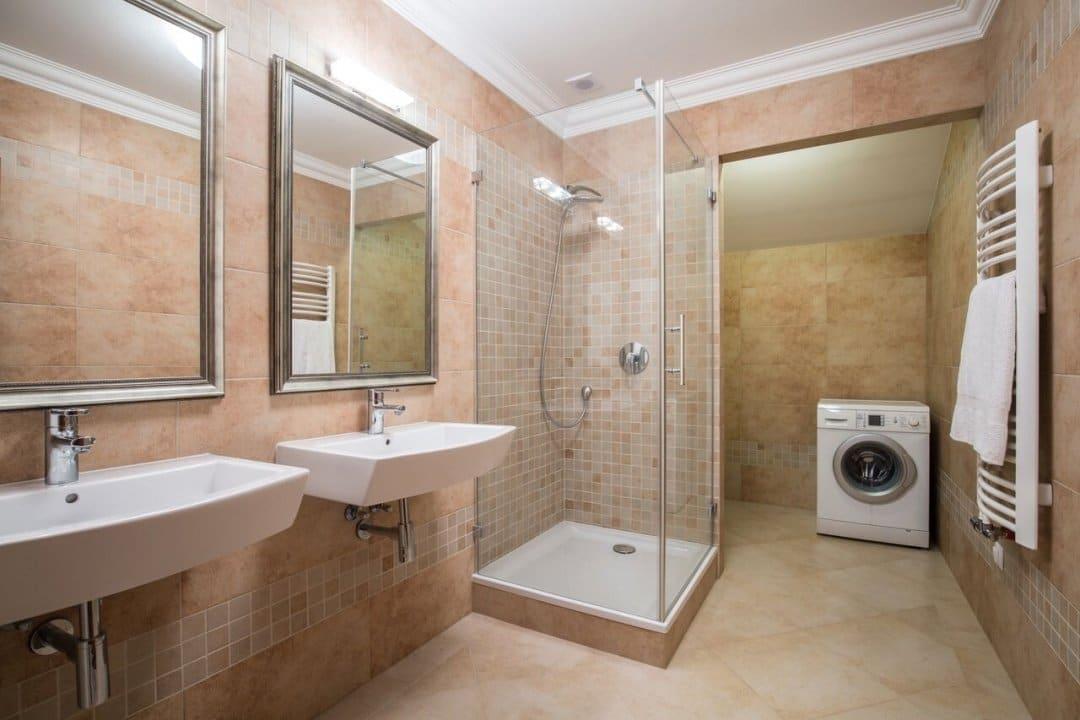 Drzwi jednoskrzydłowe do kabin prysznicowych